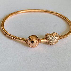 NEW Pandora Rose Gold Bracelet & Pave Heart Clip